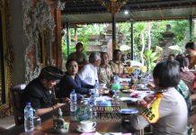 Forkopimda Kabupaten Tabanan merapatkan barisan serta menggelar Rapat Koordinasi Tim Pemantauan dan Pengendalian Pengamanan daerah. Rapat digelar ,Senin (12/11) di Rumah Desa, Desa Baru Kecamatan Marga