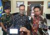 dari kiri: Danseskoal Laksamana Muda TNI Dr. Amarulla Octavian, Mensos RI Agus Gumiwang Kartasasmita dan Dirjen Perlindungan dan Jaminan Sosial Harry Hikmat.