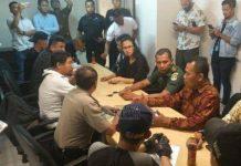 Mediasi terkait kericuhan Sekuriti Mall KOKAS dengan Driver Ojek Online oleh Polres Metro Jakarta Selatan, Jumat (15/2).