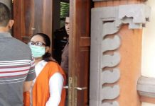 Terdakwa dalam persidangan hukum di PN Denpasar