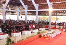 Gubernur dalam acara sosialisasi, pembinaan dan pemberdayaan masyarakat bertajuk 'Tatap Muka Gubenur Bali BersamaKramaKabupaten Jembrana' Minggu (10/3) di Gedung Mendapa Kesari, Negara.
