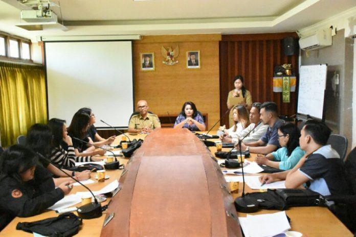 Dinas Perindustrian dan Perdagangan (Disperindag) Kota Denpasar menggelar pelatihan kewirausahaan pada Senin (22/4).