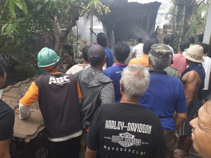 Gudang milik I Wayan Artana (42) di Banjar Badung Desa Sibanggede, Abiansemal, Badung, ludes terbakar, Jumat (10/5) pagi