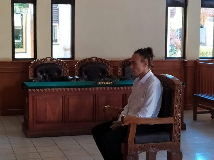 Terdakwa pada sidang Pengadilan Negeri Denpasar