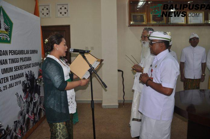 Bupati Tabanan, Ni Putu Eka Wiryastuti, lantik dan ambil sumpah Pejabat Pimpinan Tinggi Pratama, Asisten Administrasi Umum Setda Kabupaten Tabanan