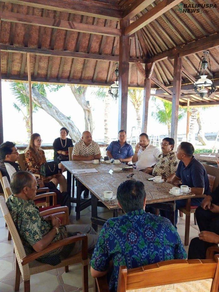 Komisi IV DPRD Bali melakukan pertemuan mendiskusikan dengan Camat, kepala desa, dan tokoh masyarakat untuk mendirikan gedung SMK baru