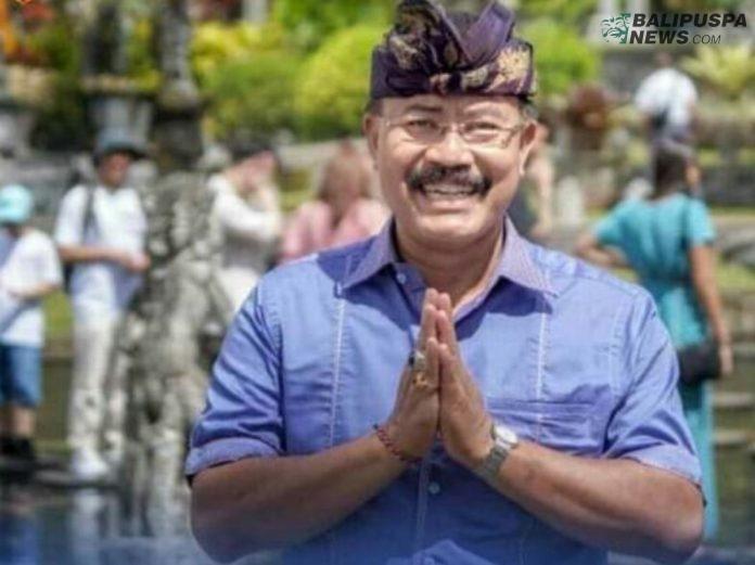 Bupati Karangasem IGA Mas Sumatri akhirnya melantik I Ketut Sedana Merta sebagai Sekda definitif, Jumat (10/7/2020), setelah sebelumnya tiga kali melantik pejabat Sekda.