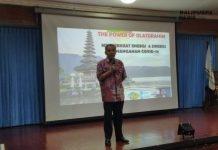 Dr Aqua Dwipayana ketika menjadi narasumber dalam seminar bertema 'Memperkuat Energi dan Sinergi Dalam Penanganan Covid-19' di Aula Werkudara Gedung Poliklinik Lantai 3 RSUP Sanglah, Senin (3/8/2020).