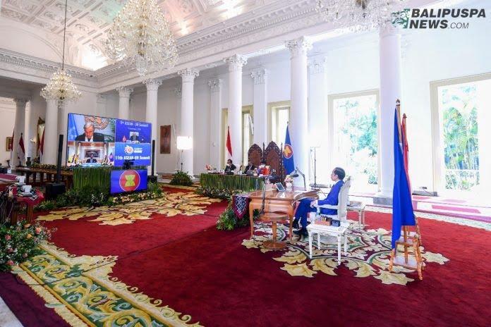 Presiden RI Joko Widodo saat menyampaikan pandangan dalam pidatonya di Konferensi Tingkat Tinggi (KTT) Ke-11 ASEAN-PBB, melalui video conference dari Istana Kepresidenan Bogor, Jawa Barat, Minggu (15/11/2020). (Foto Biro Pemberitaan Istana Kepresidenan)