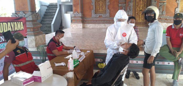 Tim Yustisi Kota Denpasar melakukan rapid test antigen terhadap pelanggar prokes