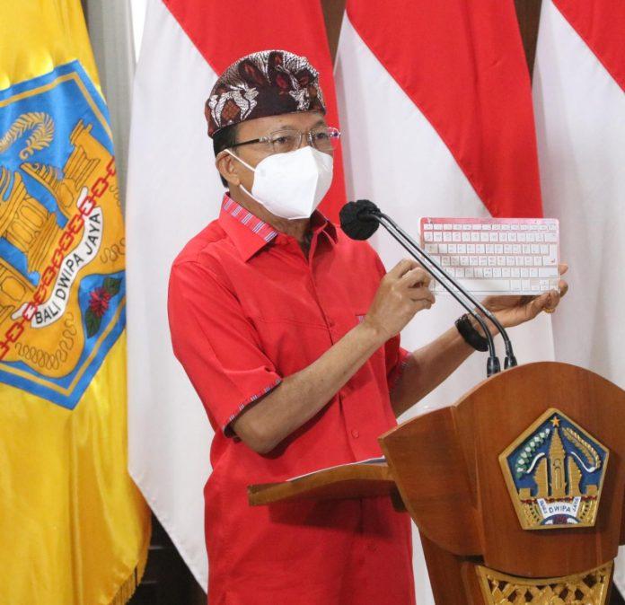 Gubernur Koster melaunching Keyboard Aksara Bali, bertepatan dengan perayaan Hari Suci Tumpek Landep, Sabtu (11/9/2021) di Denpasar